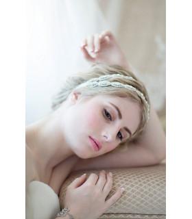 coiffe mariée bandeau cheveux strass Blanche