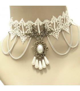 Bijoux collier dentelle, chaines et perles Blanche
